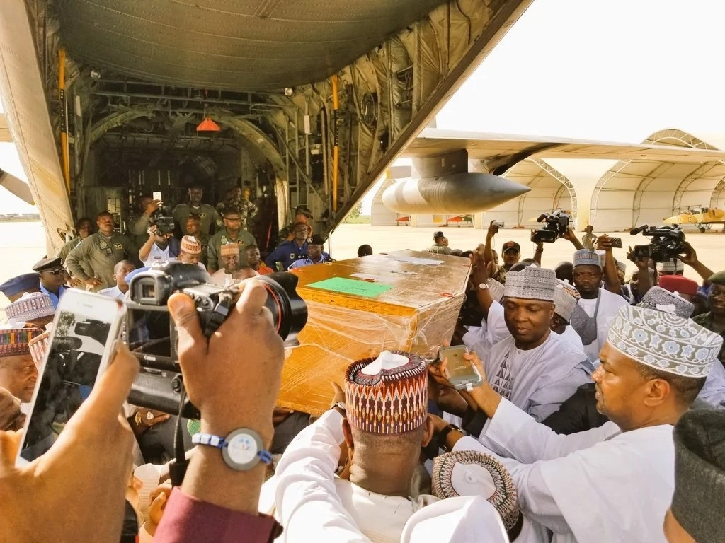 Saraki, thousand others pay last respect as Sule is laid to rest