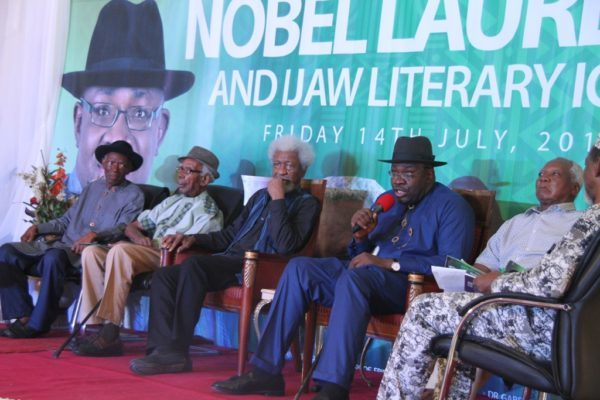Soyinka to Osinbajo: Don't tell me that Nigeria as it is, is non-negotiable