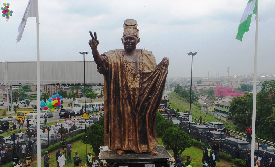 Ambode unveils 46-feet statue of Abiola in Lagos