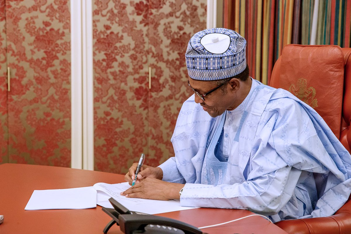 Buhari signs new Minimum Wage Bill into law, effective April 18