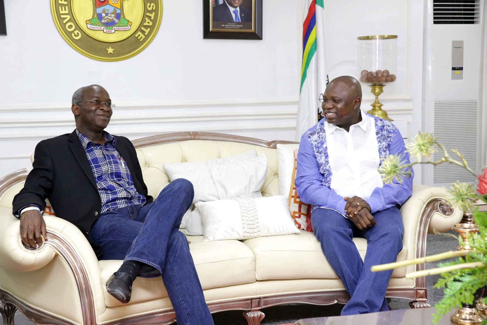 FG will support Lagos on captive power, Fashola tells Ambode
